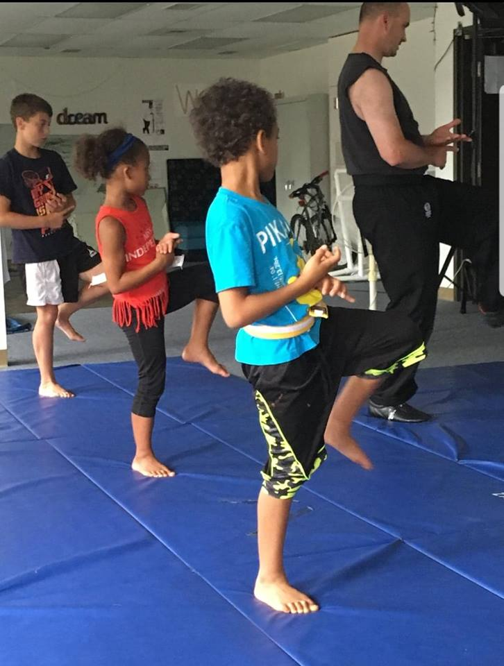 combat martial arts little dragons group
